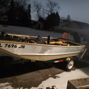 2000 14ft Jon Boat With 25hp Evinrude for Sale in Joliet, IL