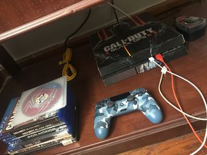 Ps4 comes with black ops 4 etc. the controller and brand new just bought it for Sale in Chicago, IL