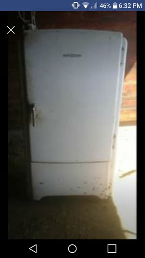 Original 1940's GE refrigerator for Sale in Powell Butte, OR