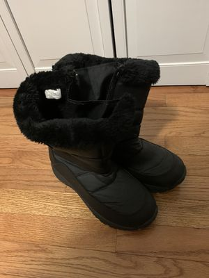 Snow boots size 10 women's for Sale in Virginia Beach, VA