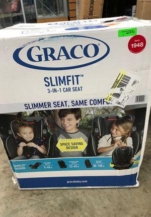 Graco Slimfit 3 in 1 car seat new open box for Sale in Eastpointe, MI