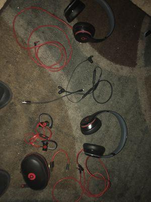 2 beats by Dre solos an 2 beats by dre wireless ear buds for Sale in Oakland, CA