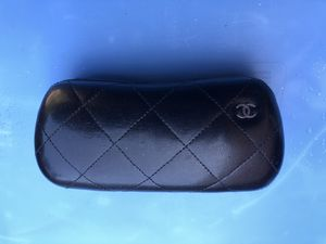 Coco Chanel Black Quilted Hard Clamshell Sunglasses Case Made in Italy Logo luxury hype for Sale in Pittsburgh, PA