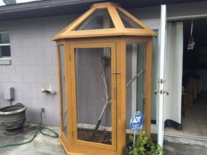 Outside bird cage completely screened in sealed for outside without side stain in the ceiling bottom opens up for easy cleaning with the washout whol for Sale in Orlando, FL