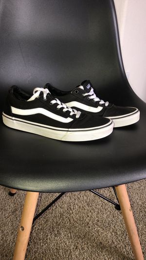 Old school vans sz 8 women for Sale in Goodyear, AZ