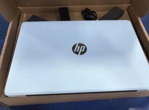 Hp notebook 15-bs012cy intel core,8GB,ddr4, 2tb HDD window 10 for Sale in Grand Prairie, TX
