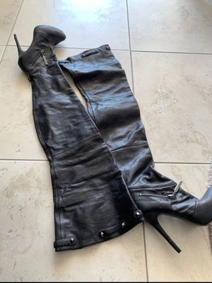 Report signature thigh high boots for Sale in Fort Lauderdale, FL