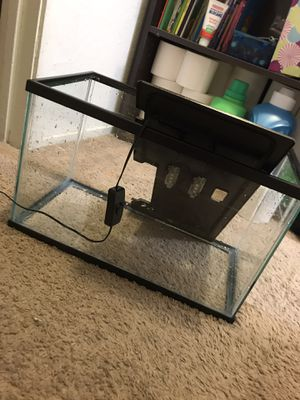 5 gallon tank with led light hood for Sale in Sacramento, CA