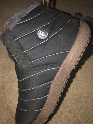 Super warm Snow Boots sz. 7.5 for Sale in Springfield, VA