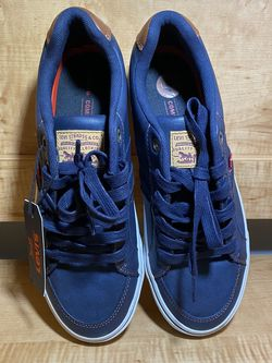Levi's Mens fashion sneaker Size 8 for Sale in Hollywood,  FL