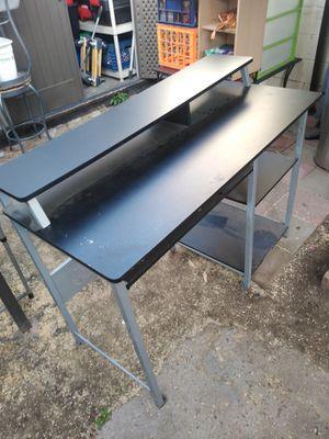 Desk for Sale in Garden Grove, CA