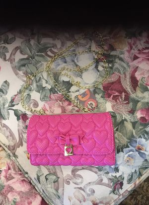 Betsy Johnson pink wallet / purse with gold chain strap for Sale in Colorado Springs, CO
