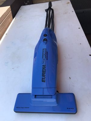 Eureka The Boss Bagless Vacuum. Corded for Sale in Brooklyn, OH