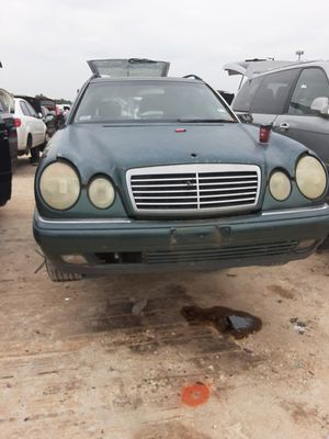 1998 Mercedes E320 SW for parts for Sale in Houston, TX