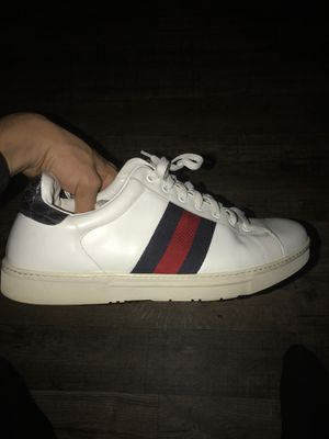 Old school, Gucci shoes! Size 10. for Sale in Moreno Valley, CA