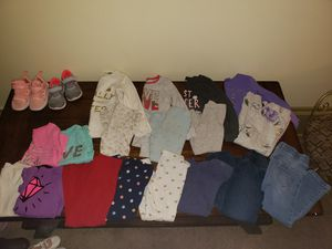 2T/3T name brand girls clothes. for Sale in Quincy, IL