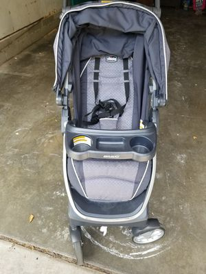 Newborn Chicco carseat and a stroller (newborn to 2 year carseat) for Sale in Tulsa, OK