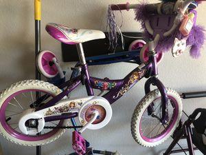 Girls princess Sofia bike. Size 16 w/ training wheels optional for Sale in Irving, TX