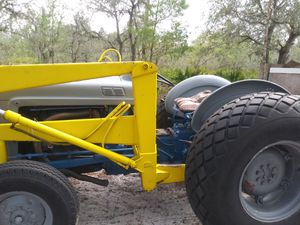 Ford tractor model 2000 for Sale in Frostproof, FL