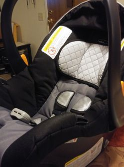 Chicco Bravo Infant Carseat for Sale in San Diego,  CA