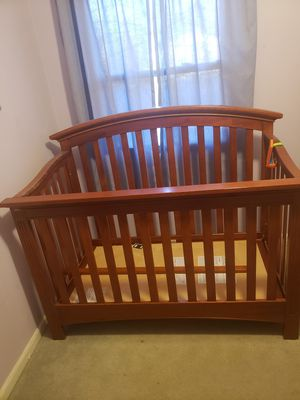 Crib for sale *doesn't include mattress* for Sale in Mount Healthy, OH