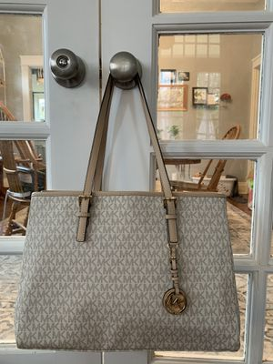 Michael Kors Jet Set Saffiano Leather Tote Bag for Sale in Knoxville, TN