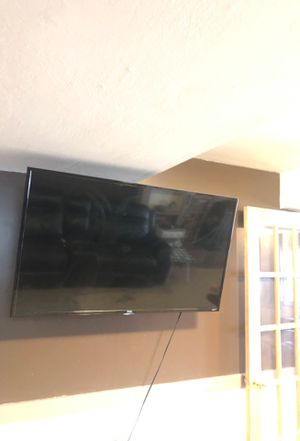 TCL roku tv 700x 43 inch for Sale in Monroeville, PA