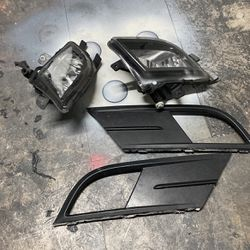 Volkswagen Jetta Fog Lights With Covers No Bulbs for Sale in Fort Lauderdale,  FL