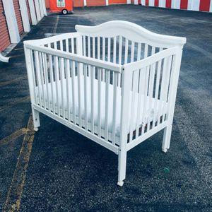 Crib And Mattress for Sale in Sunrise, FL