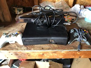 Xbox 360 S Kinect Bundle for Sale in Tampa, FL