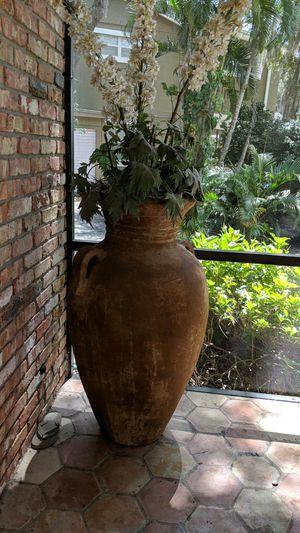 Huge vase for Sale in Belle Isle, FL