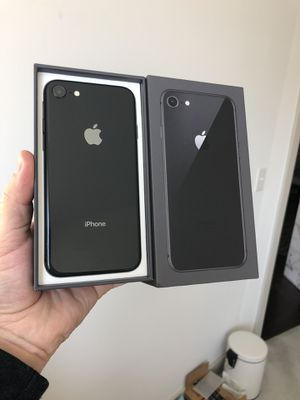 iPhone 8 256 GB like new, with apple care plus for Sale in Fairfax, VA