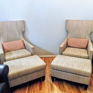 Wingback Chair and Ottomans (Pillows Included) for Sale in Bellevue, WA