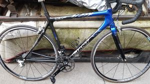 Giant tcr c3 carbon road bike for Sale in Newark, CA