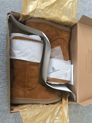 Ugg booths shoes size 10 brand new with box for Sale in Gardena, CA
