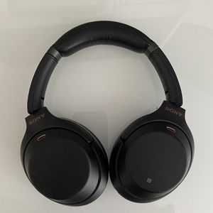 Sony WH1000XM3 Noise Cancelling Wireless Headphones for Sale in Oceanside, CA