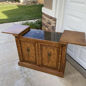 "VINTAGE SERVER/ COFFEE - BAR STATION (39""L x 18""W x 30.5""H) for Sale in Corona, CA"