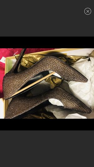 Michael Kors Gold studded pumps (size 7) for Sale in Melrose, TN