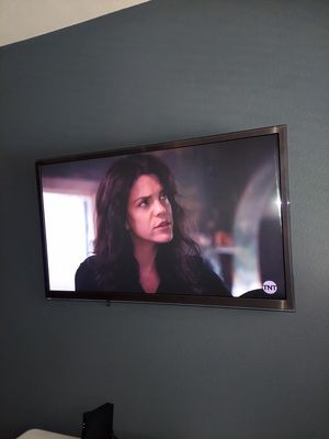 59 inch plasma tv (with remote and wall mount) for Sale in Wylie, TX