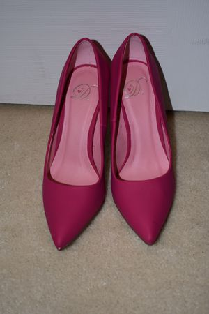 Size 7 pink heels - price not negotiable - pick up only for Sale in Germantown, MD