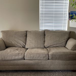 Bassett Couch & Chair for Sale in Auburn, WA