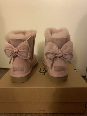 100% Authentic Brand New in Box UGG Classic Double Bow Mini Boots / Color: Pink Crystal / Women size 5, Women size 6 and women size 7 for Sale in Walnut Creek, CA