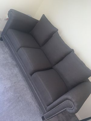 GRAY STUDDED COUCH SOFA IN GREAT CONDITION for Sale in Greater Landover, MD