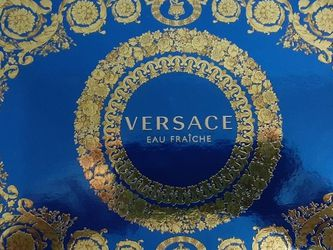 Perfume Versace Contiene 3pcs for Sale in The Bronx,  NY