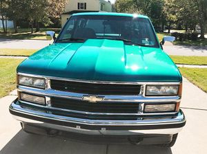 "Silverado for sale truck "" RUNS GREAT ..VERY CLEAN Automatic ,truck, V-8 ( 5.7 lt engine ) runs great , no mechanical issues !!! for Sale in Coronado, CA"