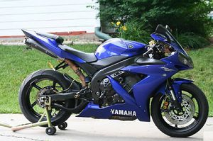 Ask $1000 for 2004 Yamaha R1-YZF for Sale in Biloxi, MS
