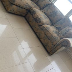 Neiman Marcus Horchow Sectional With Chaise 600 for Sale in West Bloomfield Township,  MI