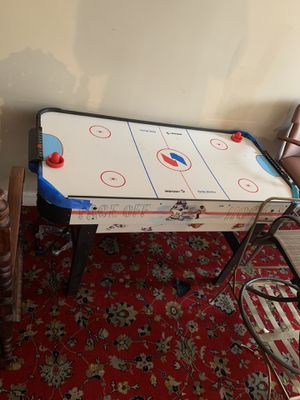 Air hockey table for Sale in Woodbridge, VA