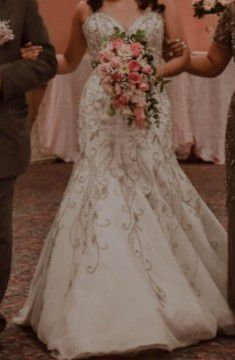 Wedding dress size 4-6 for Sale in Mercedes, TX