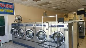 Mom and pop laundromat for Sale in GILLEM ENCLAVE, GA